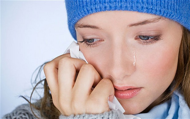 woman-crying_2733998b